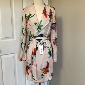 Aritzia Babaton New Pink Floral Belted Trench XXS